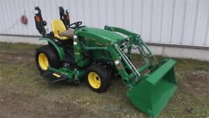 2015 JOHN DEERE 2025R TRACTOR WITH LOADER AND MOWER DECK