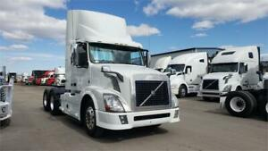 2012 Volvo Daycab Fully loaded