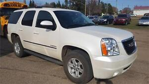 2011 GMC Yukon SLT  Low KMS