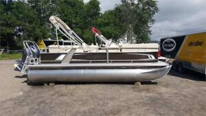 BEAUTIFUL 2018 STARCRAFT EX20 PONTOON, COME SEE IT TODAY