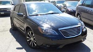 2013 Chrysler 200 Touring with safety