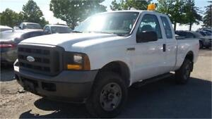 2005 Ford F250 XL 4x4, 4 Doors, Power Lift Gate! ONLY 168000km!