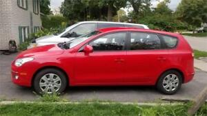 2009 HYUNDAI ELANTRA TOURING WAGON.ONE OWNER..BRIGHT RED!