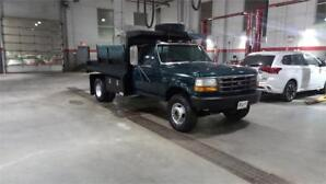Ford F-450 F477 Dump Truck - 44,950 kms - Accident Free!