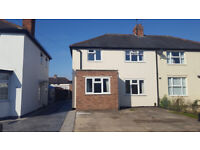 Single room available now in a five bedroom property located in Headington, close Nuffield Hospital