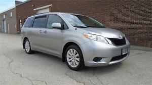 2013 TOYOTA SIENNA LE AWD-LOADED,7PASS,PWR DOORS,BACK CAM