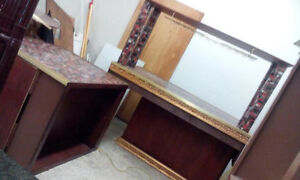make your best offer, kitchten counter +2 islands,+washrm vanity