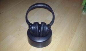 casque d'écoute sans fil   900 MHz de HeadRush – HRF 385    30$