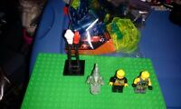 Huge Lego lot Around 900 piece 3 platforms 3 Figures