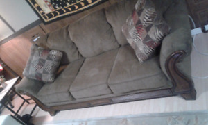 Selling my Couch ,Excellent condition ,and extremly comfy!