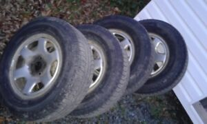 2009 Hyundai Santa Fe 16-inch tires and rims for sale