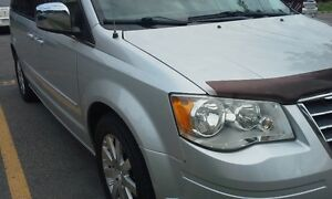 2008 Chrysler Town & Country Minivan, Van