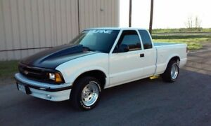 Looking for s10 cowl hood