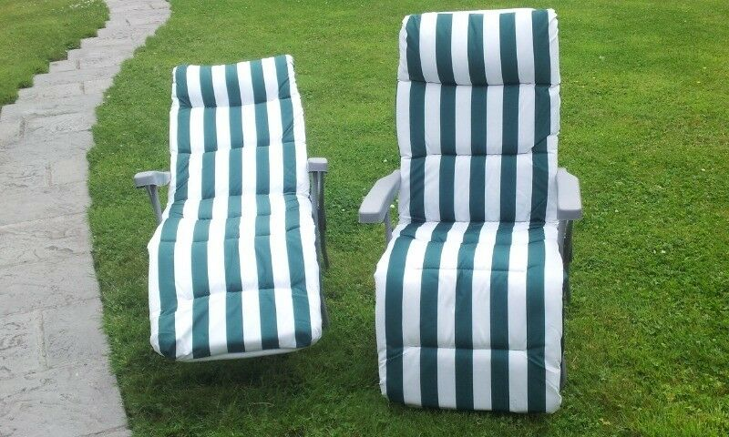 2 Almost New Quality Reclining Deck Chairs Loungers In Green White Stripe Cost 100 55 Bridgend Gumtree