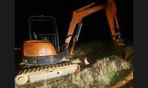 4 ton excavator for hire all areas Sunlands Loxton Waikerie Preview