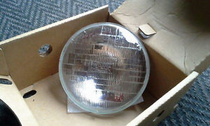 Headlight sealed beam for Harley