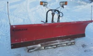 Gratte a neige Curtis Sno-Pro 9 pieds inclinable gauche-droite