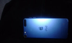 IPOD 6 TH GENERATION 32 GBS London Ontario image 2