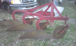 3 FURROW PLOW, 3 POINT HITCH