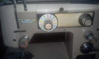 Marvin de Luxe sewing machine avec ensemble siege & table *****