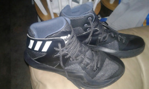 Mens size 10 addidas in mint condition
