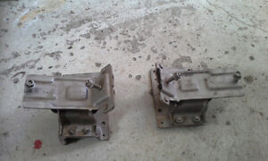 PAIR OF ENGINE MOUNTS for 2005 FORD E450 & E350 Peterborough Peterborough Area image 5
