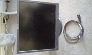 Lenovo Computer Monitor With Swivel Head. Power cable included.