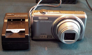 Olympus VR-320 14 MP Digital Camera with ultra wide angle