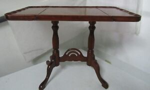 Beautiful Mahogany Little drop leaf Table West Island Greater Montréal image 3