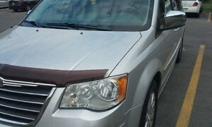 Like New Very Low kilometers **96800km** Chrysler Town & Country