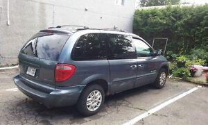 2001 Dodge Caravan.