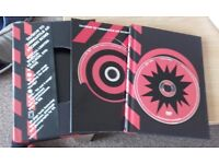 U2 - How To Dismantle An Atomic Bomb - Special Limited Edition