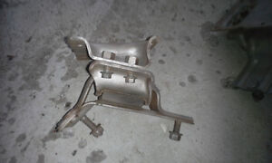 PAIR OF ENGINE MOUNTS for 2005 FORD E450 & E350 Peterborough Peterborough Area image 3