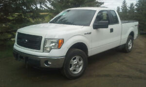 SALE OF THE YEAR!! 2013 F150 4X4  GREAT SHAPE LOW KM 300hp