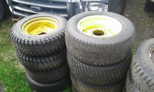 Roues et pneus pour tracteurs