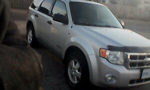 2009 Ford Escape AWD, leather, Michelin tires, E tested