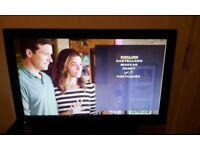 """Toshiba 19"""" hd ready lcd dvd tv with remote in working order"""