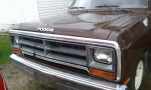 1989 Dodge truck Great Condition! Everythings original.