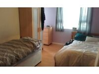 ...GOOD SIZE TWIN/DOUBLE ROOM IN HAMMERSMITH...£180 pw (bills inc)