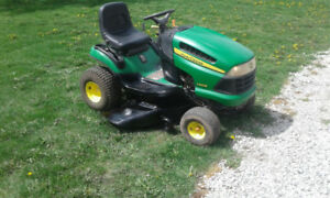reliable John Deere rider tractor lawnmower 42inch ready togo