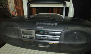 Sony CFD-350 w/remote control. Price reduced again. West Island Greater Montréal image 1