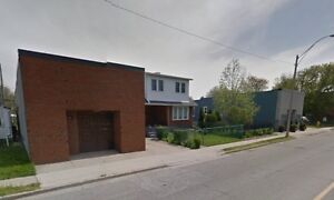 Spacious 2 Bedroom Bungalow HOUSE for RENT!!! Windsor Region Ontario image 1