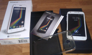 UNLOCKED white Polaroid Android phone. Excellent condition.