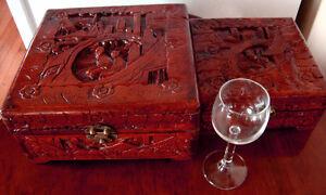 antique beaux  coffres asiatique  sculpté  1950 et plus ancien