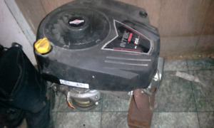 Briggs and stratton engine riding mower