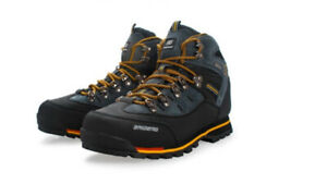 Men Waterproof Hiking Shoes / Boots - Size 11 US - Brand New