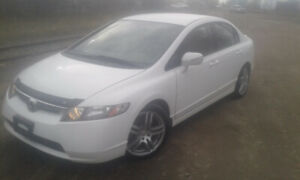 2007 Honda civic, clean title, low kilometers and saftied