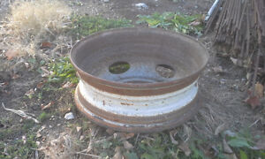 FIRE PIT RIM. 19.5 inch truck rims that can be used for fire pit