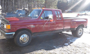 1991 FORD F350 DUALLY DIESEL 7.3 ONLY 200,000 K ..