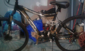 (NEW) Mountain Bike 21 Speed with Lock and 2 Keys 200$